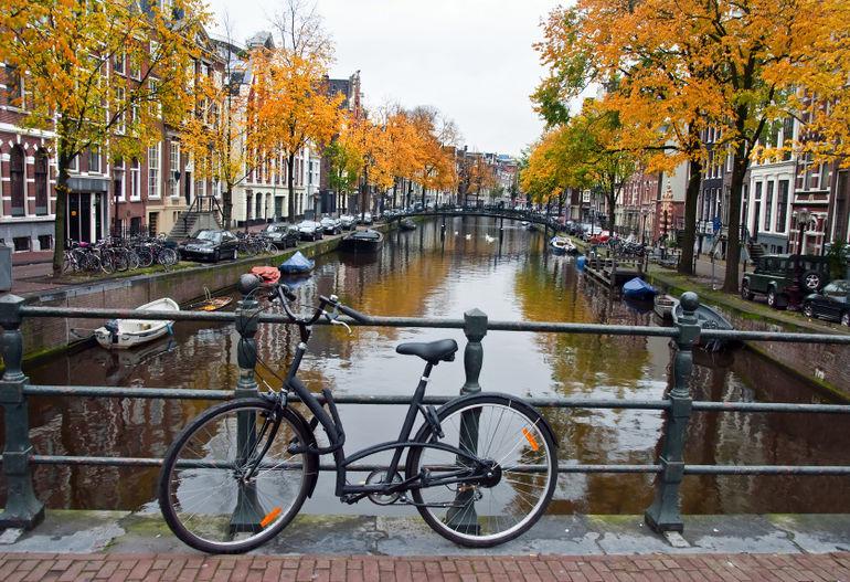 bike-in-amsterdam-photo_1345908-770tall